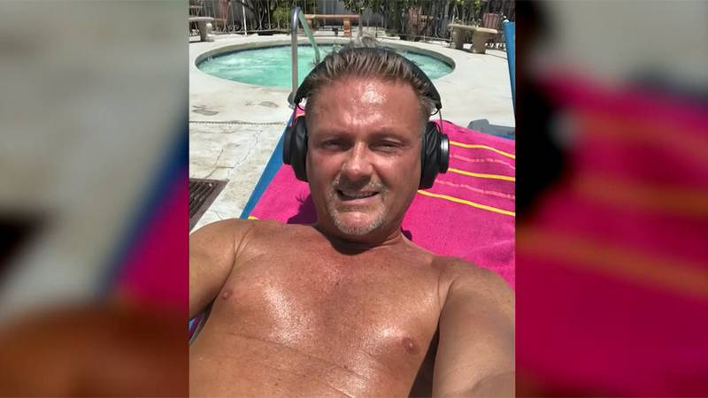 A man visiting Palm Springs, Calif., suffered heat stroke and died Friday while walking to meet...