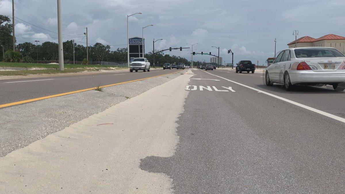Biloxi leaders rush to clean Highway 90 ahead of 'Cruisin the Coast'