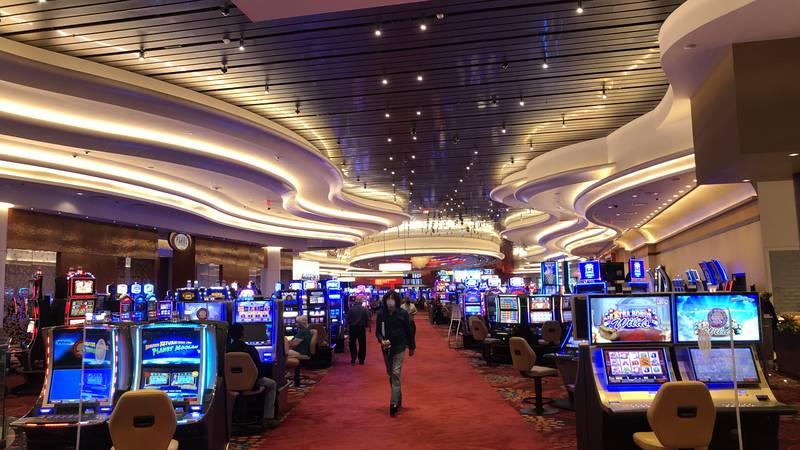 Casinos adapting to face mask mandate