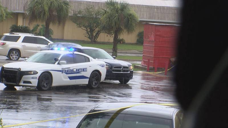 Gunshots rang out Wednesday afternoon outside of a Gulfport restaurant, leaving people in the...