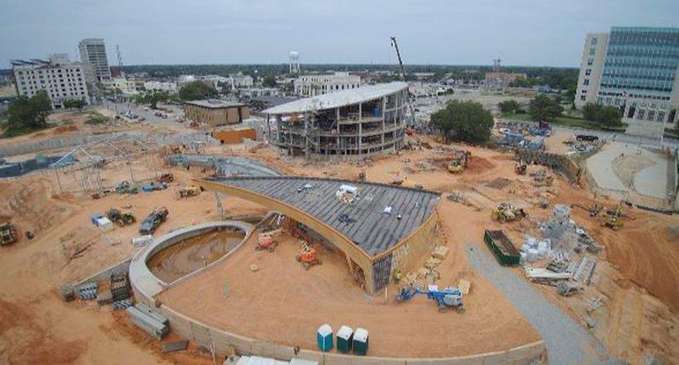 Behind-the-fences look at progress of The Mississippi Aquarium