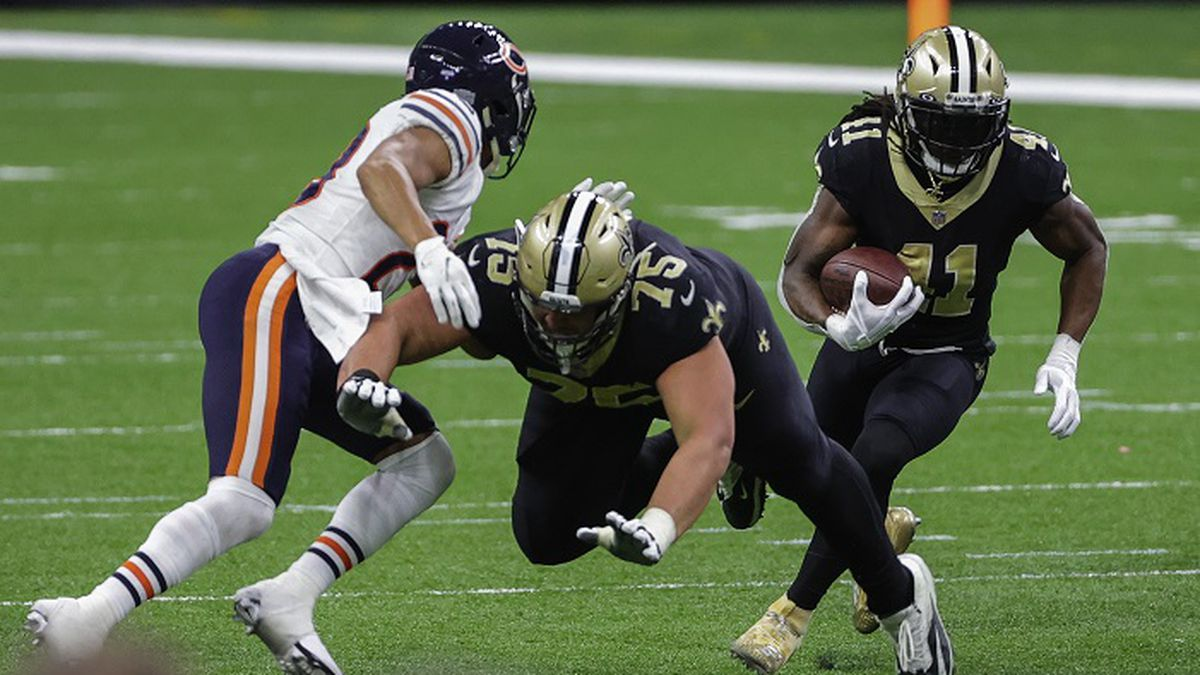 Alvin Kamara accounted for a 116 yards, with a rushing touchdown against the Bears. Derick E....