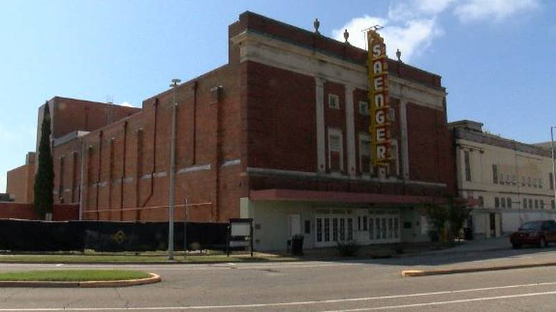 Work on Historic Saenger Theatre delayed, but ongoing