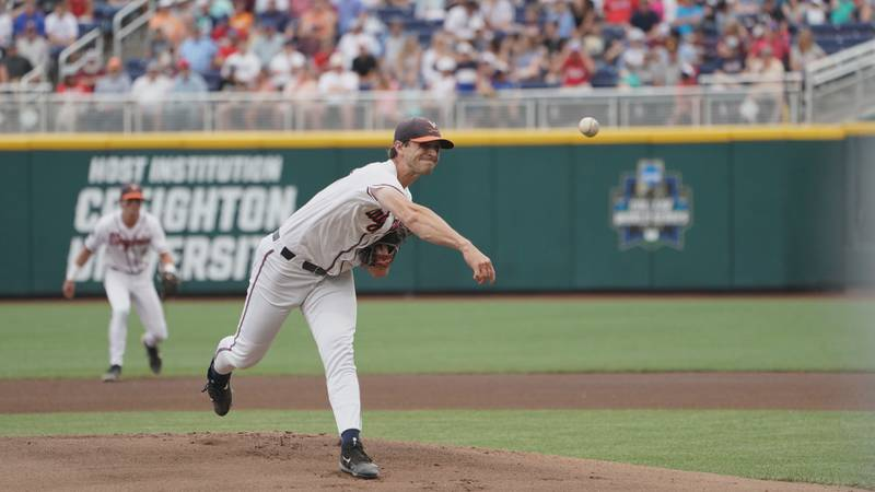 No. 7 seed Mississippi State rallied in the 8th inning to defeat Virginia, 6-5, Tuesday night...