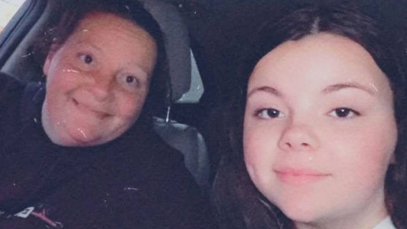 Amanda Williams, pictured left, with her daughter 16-year-old daughter Emily