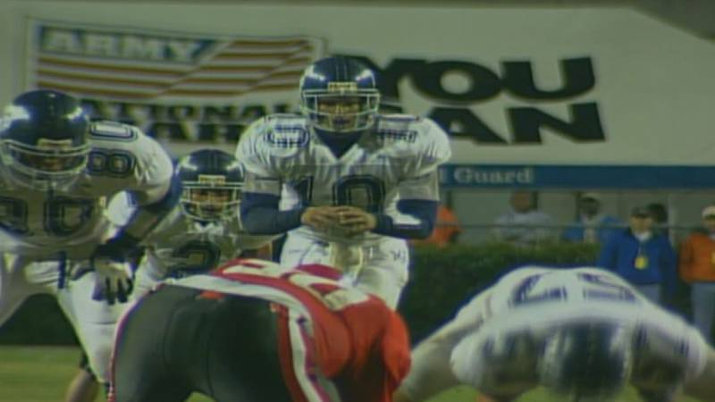 Damarius Bilbo awaits a snap for Moss Point in the 2000 state championship game