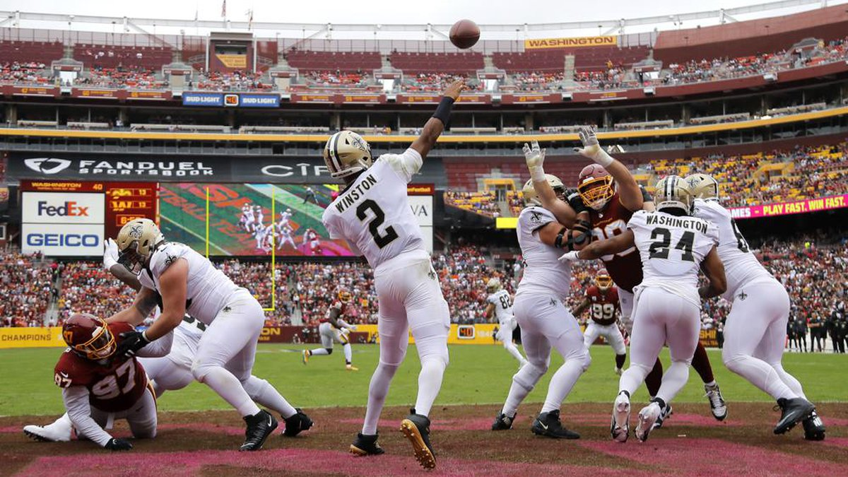 New Orleans Saints quarterback Jameis Winston (2) throws a pass in the first half of an NFL...