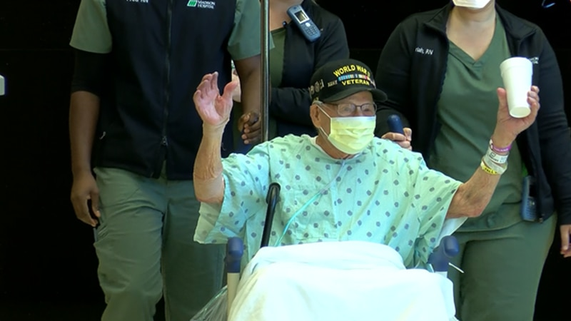 Major Wooten exit Huntsville hospital after his battle with COVID-19.