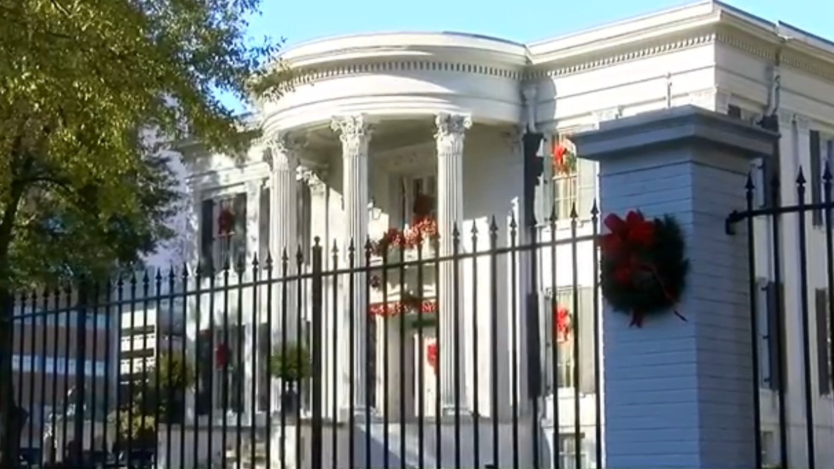 The Governor's Mansion is again opening for tours.