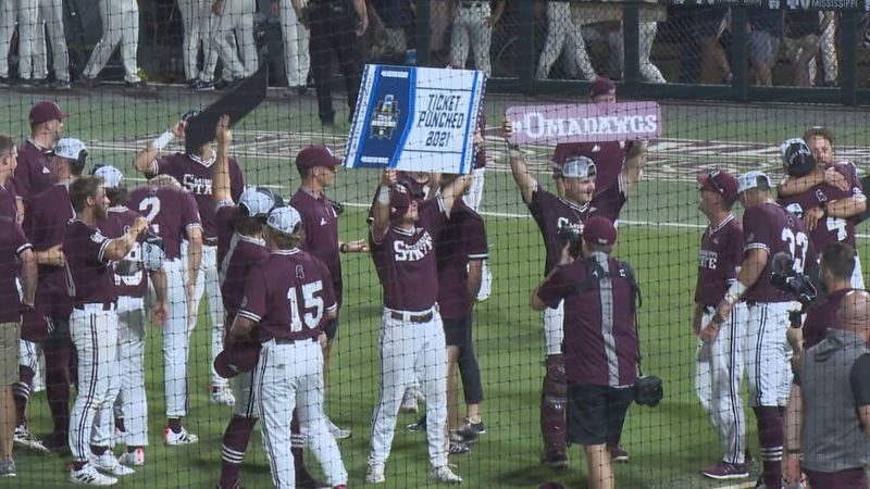 Mississippi State celebrates beating Notre Dame to punch its ticket to the College World Series
