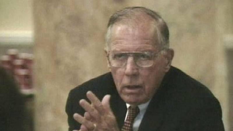 Former governor William Winter in 2000