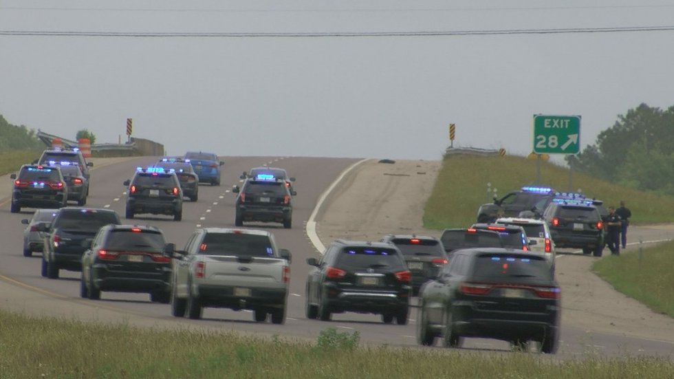 More than a dozen law enforcement units chase the suspect in a Louisiana murder down Interstate...