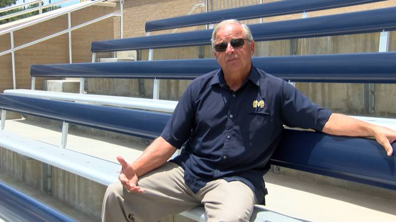 Kenneth Long returns as the interim softball coach for Mississippi Gulf Coast.