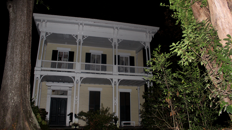 A night inside the most haunted house in Mississippi